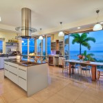 552 Moaniala St, Kitchen and Dining